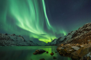 things to do on an Svalbard cruise - Northern lights