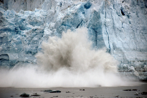 Glacier Bay cruise highlights - calving glacier