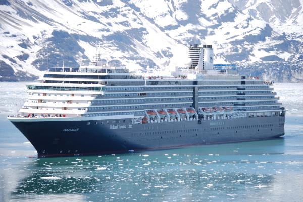 Alaska cruise ships